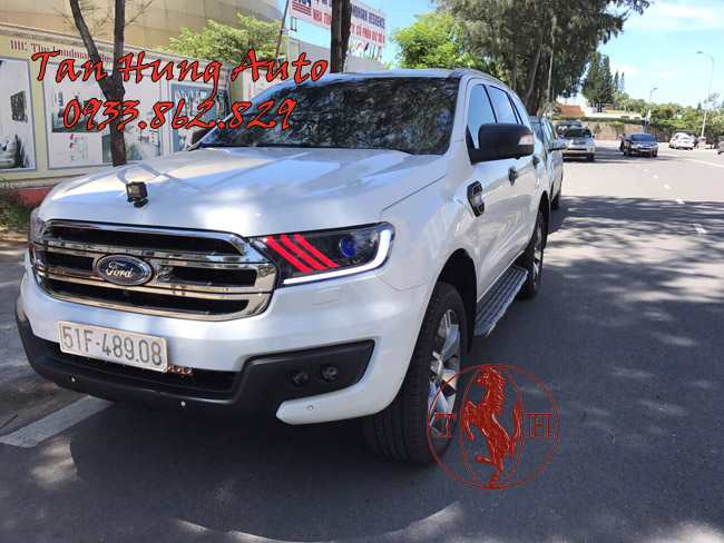 Độ Đèn Ford Everest 2017 Kiểu Mustang Chuyên Nghiệp 01