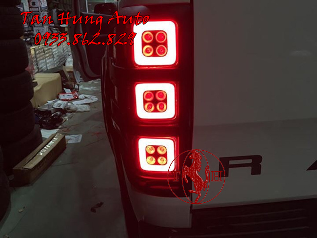 Độ Đèn Hậu Ford Ranger Chuyên Nghiệp Tại Tphcm 01