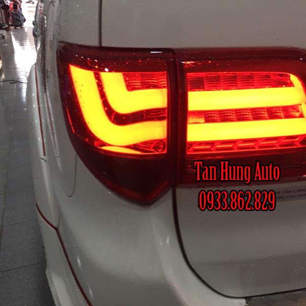 Độ Đèn Hậu Toyota Fortuner Chuyên Nghiệp  01
