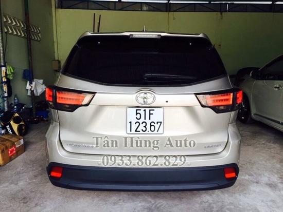 Độ Đèn Hậu Toyota Highlander 2014 Chuyên Nghiệp 02